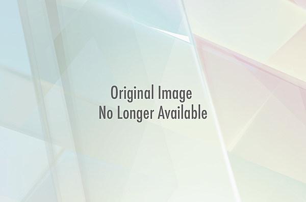 [Image: six-finger.jpg?w=600&h=0&amp...p;amp;q=89]